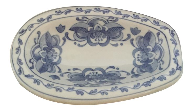 Traditional Chinoiserie Blue and White Asian Soap Dish Holder on Chairish.com #forsale #chairish #blueandwhite #Asian #chinoiserie #soapdish #bathroomdecor #powderroom #blueandwhitesoapdish