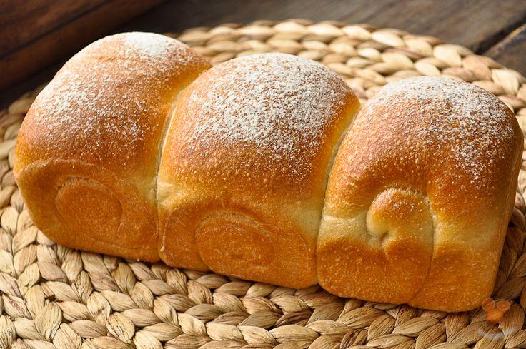 Я не люблю выпечку на молоке, тем более хлеб. Собираясь испечь этот хлеб исключительно из спортивного интереса, относился к нему довольно скептически и без…
