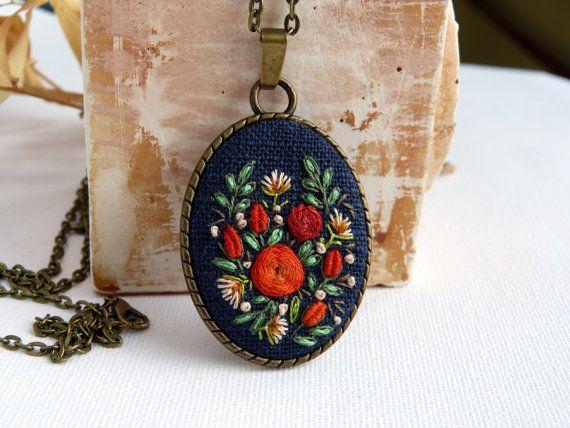 Bordado oro rosas estilo vintage Retro por EmbroideredJewerly