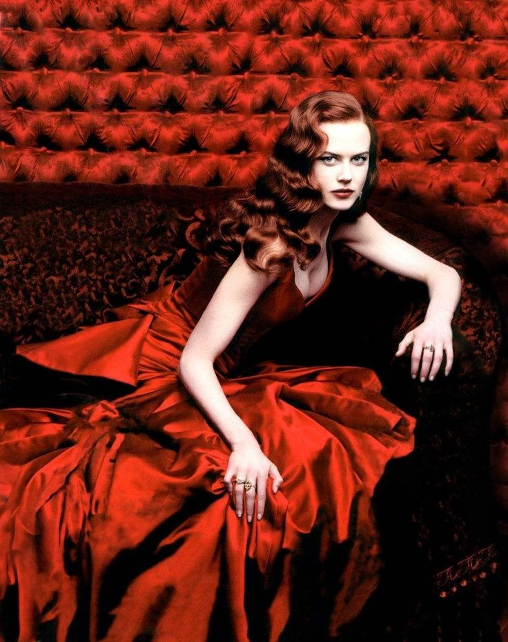 Nicole Kidman, wearing the red dress from Moulin Rouge, photographed by Annie Leibovitz for Vogue, Dec 2000