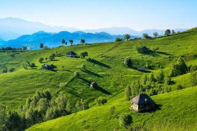 Din mărețiile țării: Şirnea, un tărâm de basm http://www.antenasatelor.ro/turism/6805-din-mare%C8%9Biile-%C8%9Barii-sirnea,-un-taram-de-basm.html