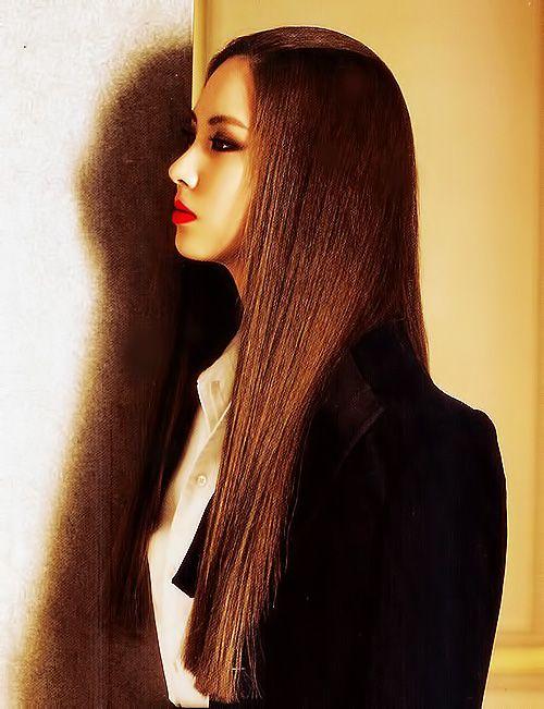 SNSD's Seohyun for Vogue Girl Korea October 2011