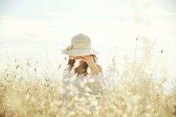 //warmth.: Hats, Flowerdress Www 2Dayslook Com, Flowers Dresses, Country Girl, Fields Ideas, Beautiful Things, Kelly751 Flowerdress, Lemon Bar, Photography Ideas