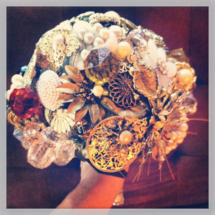 Brotch bouquet