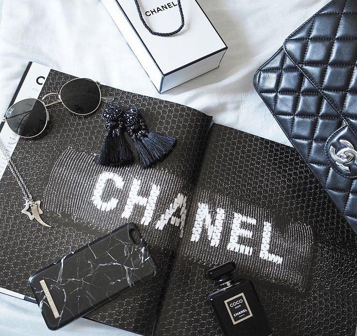 Black Marble by @lifeinthefashlane_ - Fashion case phone cases iPhone inspiration iDeal of Sweden #black #marble #accessories #phonecase #clean #iphone #fashion #svart