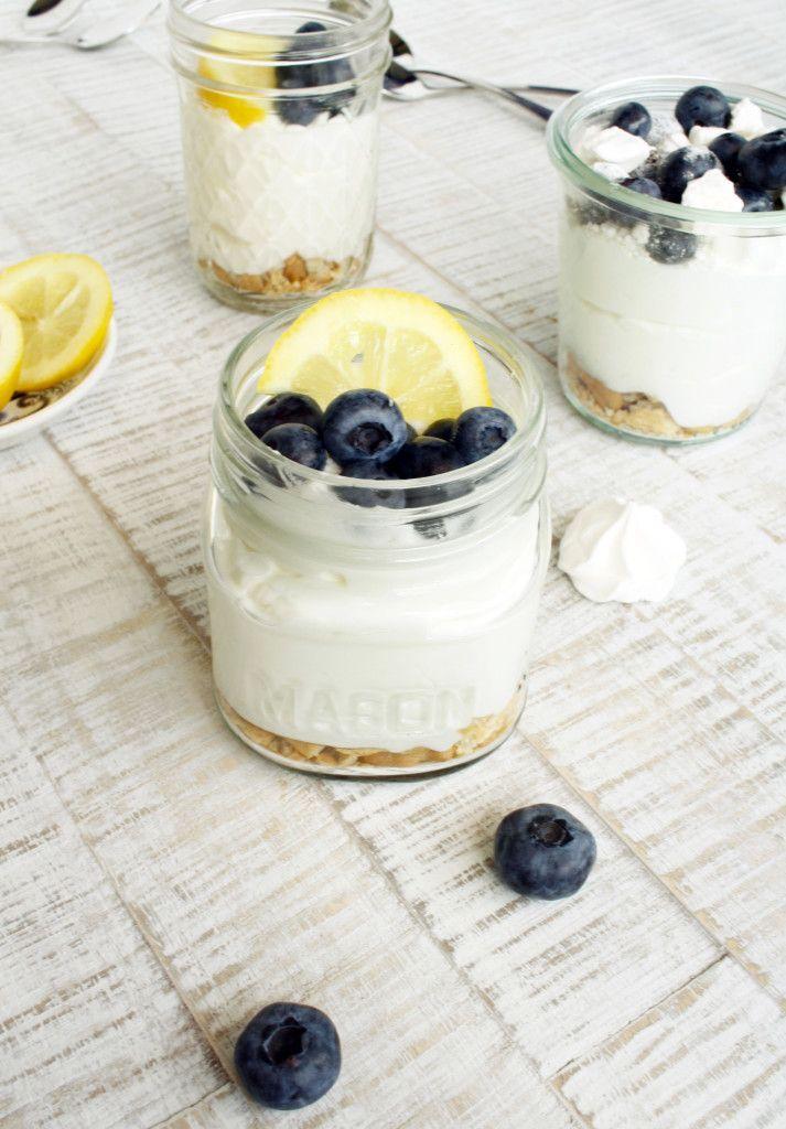Buttermilch Zitronen Mousse // buttermilk lemon mousse by http://babyrockmyday.com/buttermilch-zitronen-mousse/