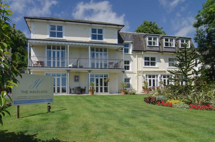 The Havelock, Shanklin, Isle of Wight. England. Bed & Breakfast. Accommodation. Travel. Outdoor Pool. Relax. Unwind. Holiday.