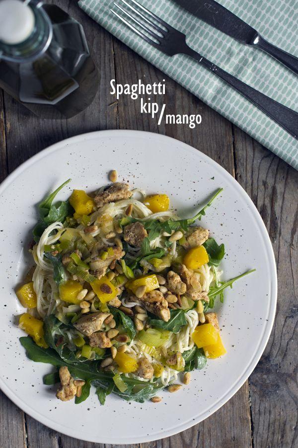Spaghetti met kip en mango
