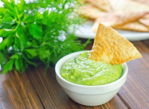 Aprende a preparar una deliciosa mayonesa de aguacate y vinagre de manzana - Mejor con Salud