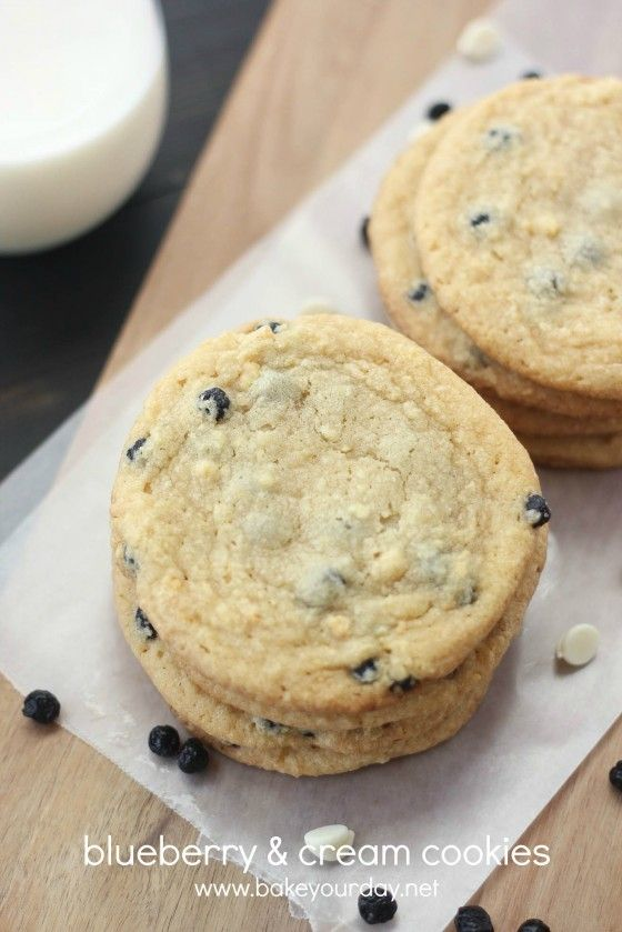 Blueberry and Cream Cookies- this summer i'll give these a whirl!