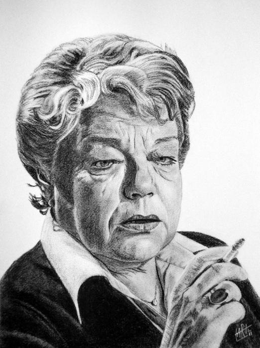 ARitz - Dessinatrice au Fusain, Pastel sec, Pierre noire et Crayon Gomme - Simone Signoret