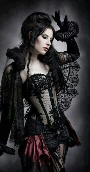 El encanto de la mujer gótica.