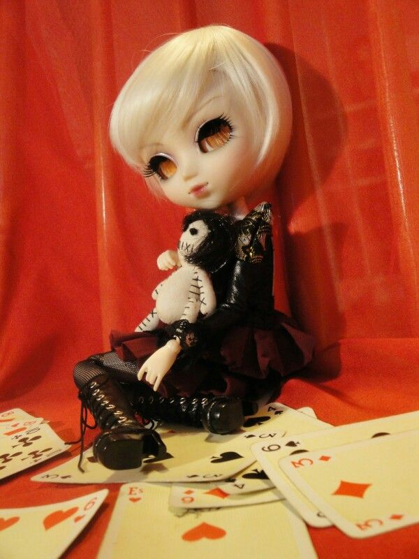 And she'll be the queen (Edriel - Pullip Eos)