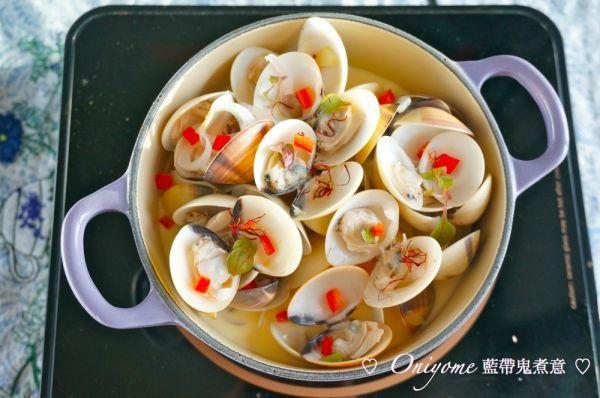 今次教大家做一個非常簡單的海鮮菜式,半小時有得食,番紅花除了用來煮西班牙海鮮飯,西餐很多時都會用到,用來做宴客菜,一點也不失禮。 ...