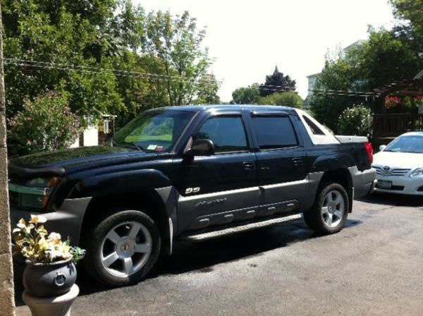 02 Chevy Avalanche Z71 - Truck