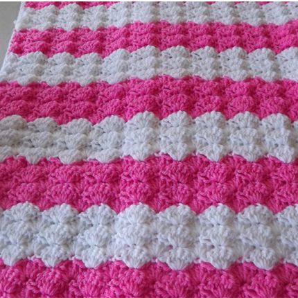 white-and-pinky-baby-shells-afghan-1