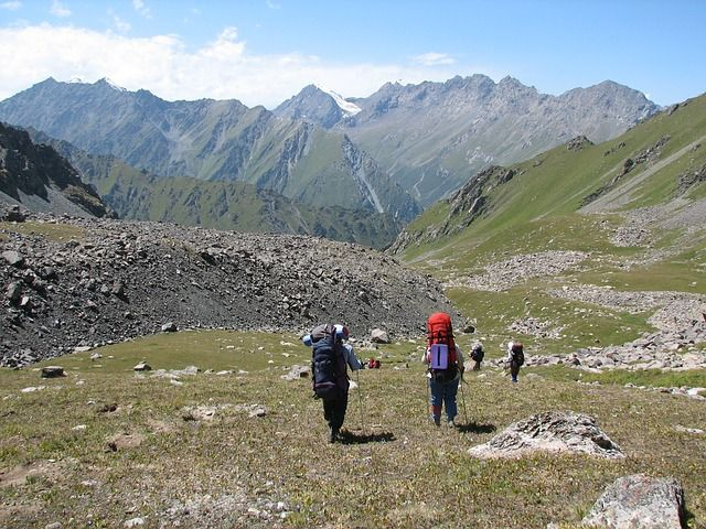 Trail Etiquette – The Golden Rules For Backpacking and Camping Trips Every Hiker Must Know | Equip And Camp