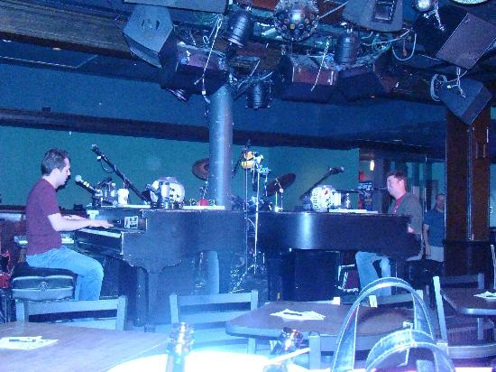 Howl at the Moon, dueling piano bar in Chicago.