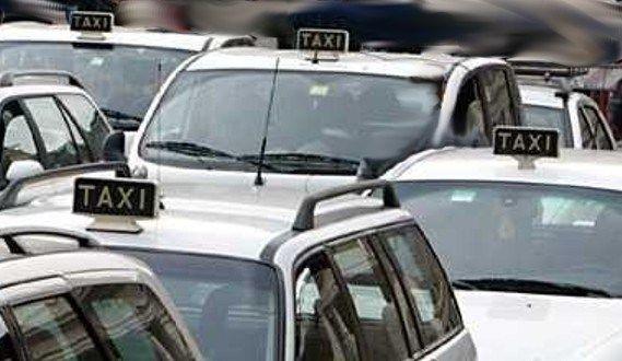 Roma, tassista aggredisce turista svizzera che aspettava Uber, ma era il nome del marito