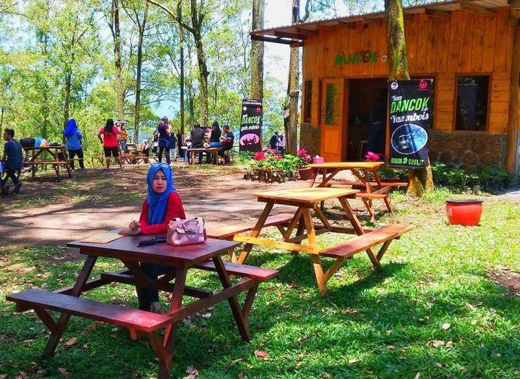"""Lokasi dan Harga Tiket Masuk Cafe Daun Coklat Malang, Cafe Kekinian dengan Nama Trend """"Dancok"""""""