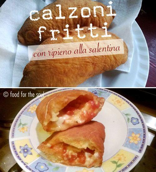 Calzoni fritti con ripieno alla salentina (mozzarella e pomodoro) - Fried calzone (folded-over pizza dough) with mozzarella and tomato