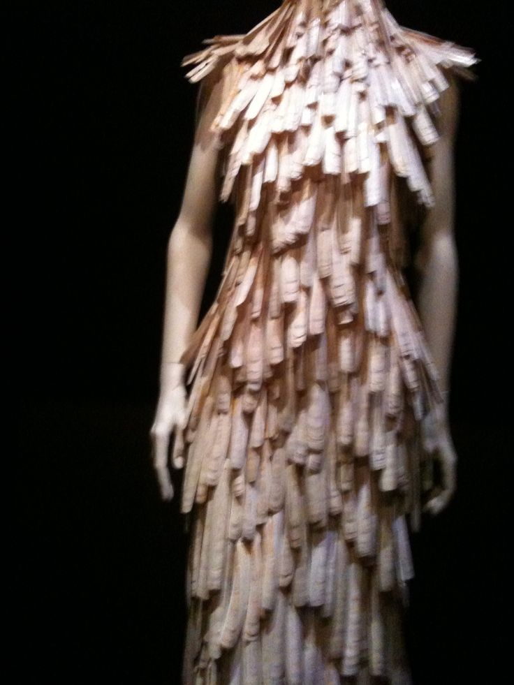 Alexander McQueen, Savage Beauty, The Metropolitan Museum of Art, 2011