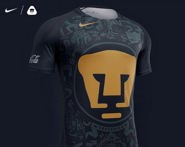 Hoy por la mañana fue presentado el nuevo uniforme que vestirán los Pumas de la UNAM durante los siguientes dos torneos de la mano de Nike el cuál como es toda una tradiciónpresentael escudode l…
