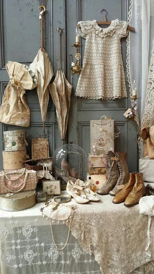 134 best images about country store window display on pinterest shabby chic ladder and shabby. Black Bedroom Furniture Sets. Home Design Ideas