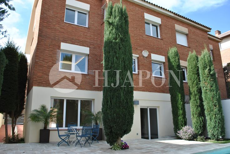 Beautiful, luxury house for sale in uptown Barcelona