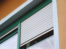 Janela de PVC verde Weiku Fenster & Türen GmbH #arquitecture #doors #isolation #vidroduplo #design #windows #pvc #persiana #portas