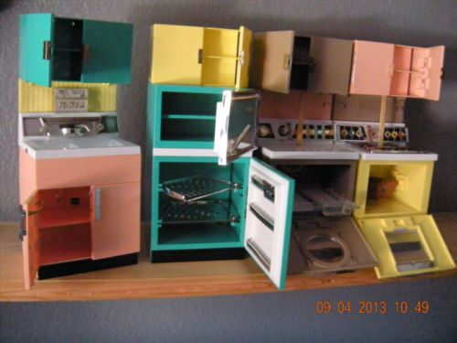 1960-039-s-Deluxe-Reading-Barbie-Dream-Kitchen-Great-Condition-Box-Instructions