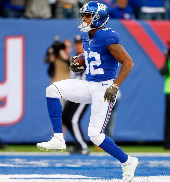 Eagles vs. Giants:  28-23, Giants  -  November 6, 2016  -       Roger Lewis of the New York Giants hauls in a touchdown reception in the first quarter against the Philadelphia Eagles at MetLife Stadium on Sunday, Nov. 6, 2016 in East Rutherford, N.J.