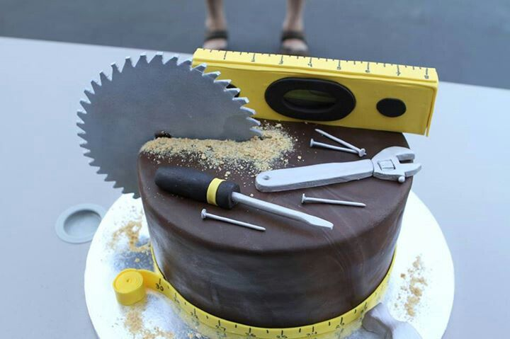 Tool time cake