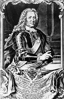 Friedrich Heinrich von Seckendorff: urodził się na zamku Königsberg (Bawaria) i pochodził ze starego i potężnego rodu arystokratycznego.  Walczył w wojnie o sukcesję hiszpańską i wojnie Austrii przeciw Turkom (1736-1739). Niezadowolony ze służby w wojsku austriackim, wszedł do służb dyplomatycznych Augusta II Mocnego. W 1713 roku podpisał w imieniu Saksonii pokój w Utrechcie. Do służby austriackiej powrócił w 1717 roku. W roku 1726 był austriackim posłem w Berlinie.