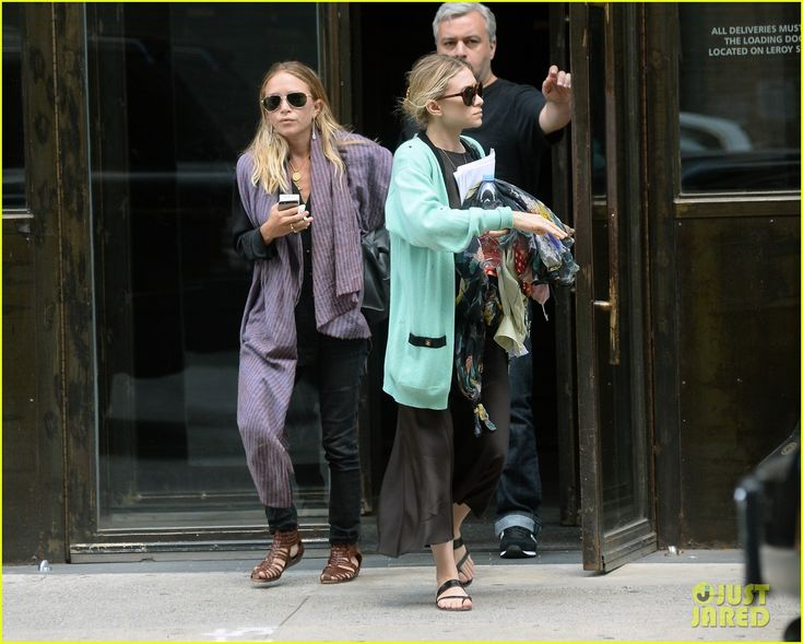 mary kate olsen who is she dating Mary-kate olsen proved that she's not just one of the olsen twins, forever seen as a duo with sister ashley olsen, when she recently married olivier sarkozy in manhattan, reported us.