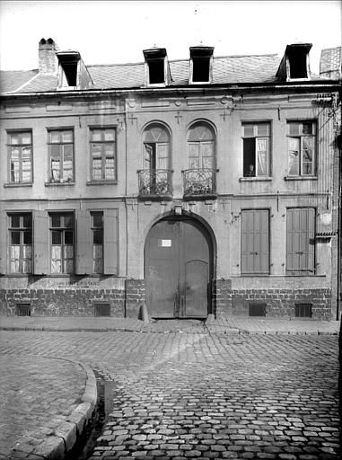 Ancienne faïencerie. 48 rue de l'Intendance.