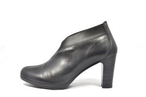 HISPANITAS HI40595NEGRO MEDIUM & HIGH HEELS ATLANTA http://www.hispanitas.ro/produs/HI40595_ATLANTA_SAUVAGE_14_NEGRO