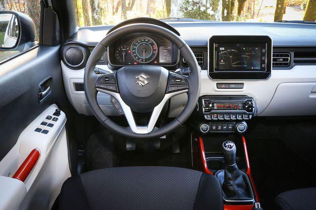 Nur 3,7 Meter ist der neue Suzuki Ignis lang – und trotzdem ein SUV. Bald gibt es keine Pkw-Klasse mehr, die nicht auch als Sports Utility Vehicle zu haben ist. Ob der kleine Japaner was kann, klären wir in unserem Fahrbericht.