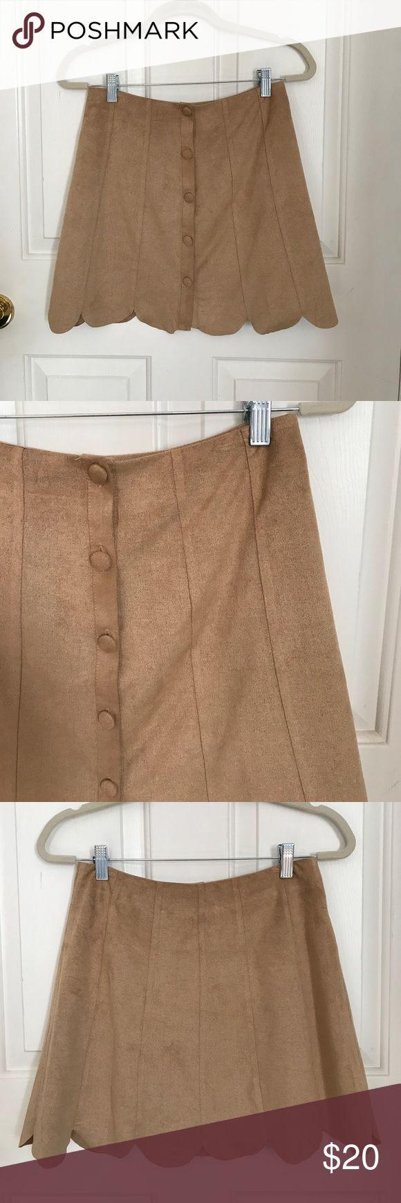 Scalloped Button Down Skirt This cute khaki skirt is perfect for school uniform, work, or parties! The scallop detail is so cute! Worn once. Sadie & Sage Skirts Mini