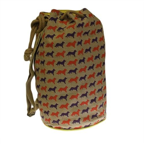 Jute Duffle - Fox   Hip Angels Jute Duffle Fox bag, They also have a strong and natural strap,side zip and extra inside pocket compartment, great for storing phone, keys or any small essential accessories making it easier to reach when needed.   #Wholesaler_Bags #Wholesale_Bag #Bag_Wholesale #Bags_Wholesaler #Rucksack #Fox_bags