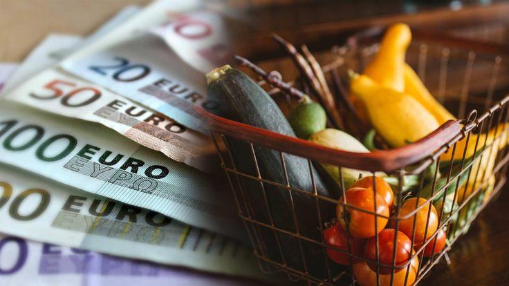 Uit onderzoek van Het Voedingscentrum en het NIBUD blijkt dat je voor €5,- per dag gezond kunt eten. De vraag is natuurlijk: hoe pak je dit aan? Personal coach Jeroen geeft je 8 handige tips: https://www.fit.nl/voeding/voedingstips/goedkoop-en-gezond-eten