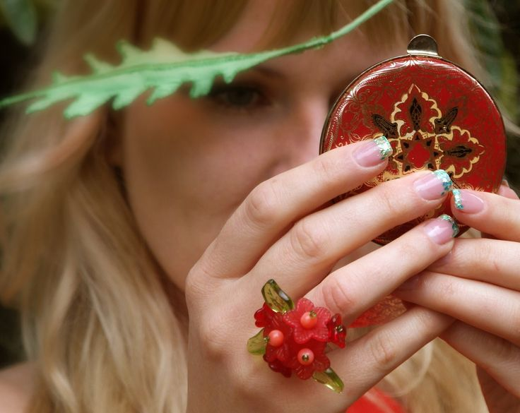 Cocktail Ring, red round shell beads, red plastic flowers, green glass leaves by #VikaRepka