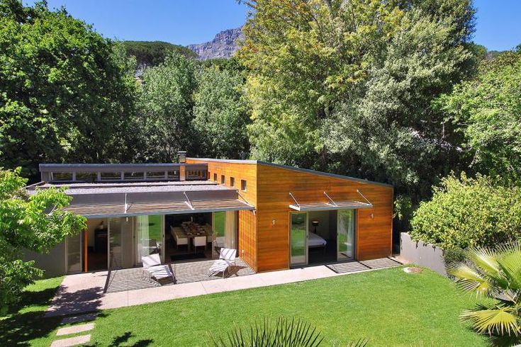 Exclusive Holiday homes are our favourite... tucked away in the lush greenery, this self catering holiday home is definitely a preferred place to stay while in Cape Town! #capetown #summerhomes #selfcatering #luxury