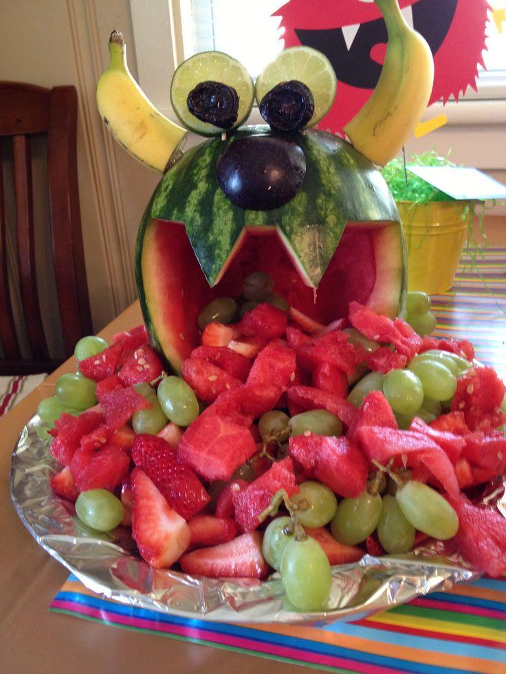 #Halloween steht bald wieder vor der Tür. Tolle Idee: Fruit Monster - banana horns!