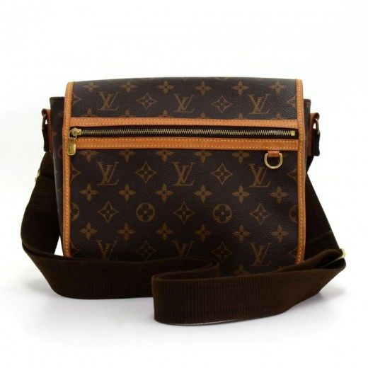 Authentic Louis Vuitton Messenger Bosphore PM bag in monogram Canvas. Outside, it has 1 zipper pocket in front. Top secured with flap. Underbeneath it, it has 1 exterior open pocket. Inside has 1 open pocket and 1 for mobile or glasses. Very practical Louis Vuitton messenger bag. #LouisVuitton #bag @fmasarovic