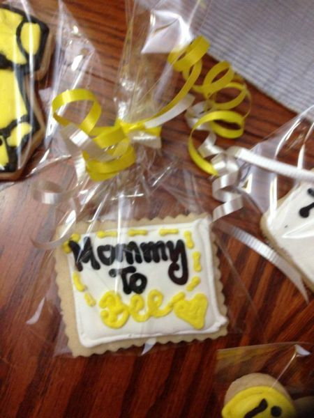 Kouture Kakes :: Cookies Mommy to bee baby shower cookie