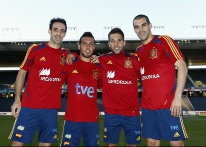 Juanfran fue una de las cuatro novedades de la selección española para la Eurocopa con respecto al Mundial de Sudáfrica. La Real Federación Española de Fútbol dedicó un reportaje a 'los nuevos de la Roja' (29.05.2012).