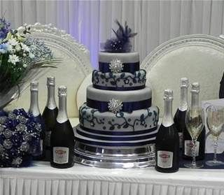 dallas cowboys wedding cake images 1000 ideas about cowboy wedding cakes on 13319