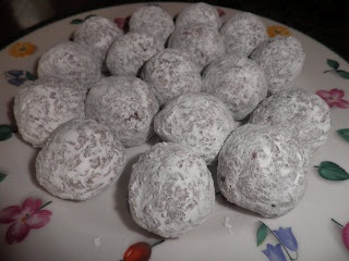 No Bake Pecan Pie Balls...Husband is going to fall in love with me all over again when i make these. ;D so good