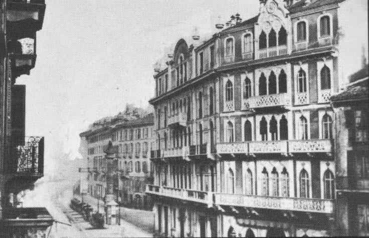 Milano, Largo S. Babila con i palazzetti in stile veneziano, costruiti in epoca risorgimentale, demoliti nel secondo dopoguerra.